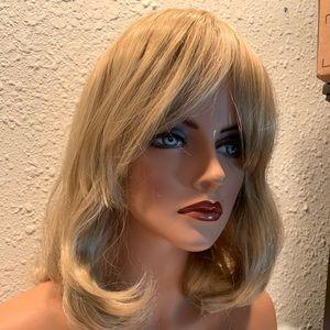 Beautiful blond OneDor wig